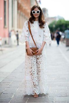 Eleonora-Carisi-mmfw-Maison-Valentino-lace-dress-2015-by-Carola-De-Armas-streetstyle-Milano_2