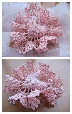 Crochet Vintage Valentine Heart Pillow Fringed Free Pattern- Crochet Heart Free Patterns ~ This would make a lovely sachet to put in a lengerie drawer! Crochet Puff Flower, Crochet Flower Patterns, Crochet Stitches Patterns, Thread Crochet, Crochet Motif, Crochet Crafts, Crochet Flowers, Irish Crochet, Crochet Hooks