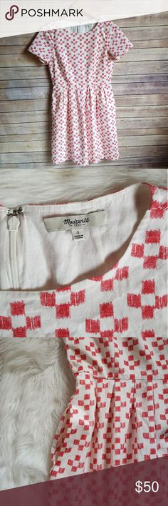 """Madewell Cotton Dress Ivory & red square cotton dress by Madewell. Has pockets and is fully lined. Size 2. Measures 34"""" long and 17"""" across chest. Excellent condition! Madewell Dresses Midi"""