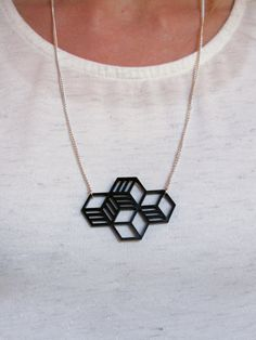 LinnArt Design Intersect Shape Modern Pendant Full Line Geometry Black Color Acrylic Plexiglass Silver Plated Chain Necklace Elegant Jewelry