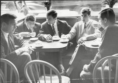Chelsea players enjoying a cuppa in a cafe near the club's Stamford Bridge ground in the From left ro right: Barry Bridges, Joe Fascione, John Hollins, Bert Murray and Marvin Hinton Chelsea Football, Chelsea Fc, John Hollins, Jimmy Greaves, 1998 World Cup, Chelsea Players, Nostalgic Pictures, Arsenal Players