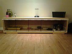 Expedit-skabe fra Ikea omdannet til kaninhjem. God størrelse! Kan klart anbefales.