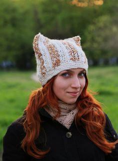 Нat with cat ears knitting made of thick yarn by ThingsFromShela