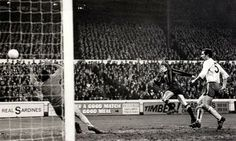 Colin Bell scored Manchester City's second goal in their 3-0 win over Chelsea (1971) #ColinBell #ManchesterCity #MCFC