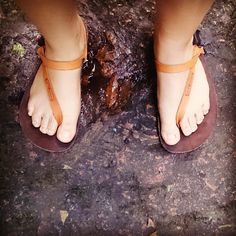 Going barefoot w/ Earth Runners http://wp.me/p4HiIK-6A  via @ClintBauer #earthingshoes #runningsanda http://pinterest.com/pin/302304193713926110/ …