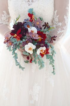 A wedding bouquet you can keep forever! Learn how to make this Felted Bridal Bouquet >> http://www.hgtvgardens.com/weddings/make-a-diy-felt-wedding-bouquet?soc=pinterest