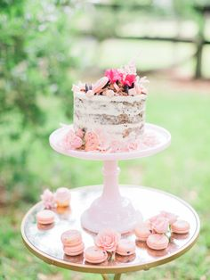 These ideas are perfect for a bridal shower tea party. With pinks, blushes, and beautiful desserts these bridal shower ideas are the perfect inspiration for your spring and summer bridal shower. Bridal Shower Desserts, Bridal Shower Centerpieces, Tea Party Bridal Shower, Small Wedding Cakes, Black Wedding Cakes, Wedding Cake Rustic, Pre Wedding Party, Spring Wedding, Beautiful Desserts