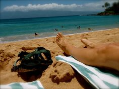 Pick a spot on the beach & lay in the sun listening to the sound of the waves. #pinhawaii