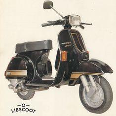 Vespa P150X Sport merupakan varian alternatif yang ditawarkan Danmotors dalam rangkaian seri P-Series-nya. Tipe ini dikeluarkan dengan beberapa perbedaan spesifikasi dibanding varian Exclusive yang keluar di tahun yang sama, yaitu 1983. Berdasar dari brosur...