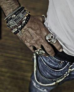 Anéis/Rings rock'n'roll Masculinos/Tomboy / Imagem: Pinterest / Reprodução