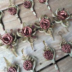 Copper corsages by Flaxation. Flower Crafts, Craft Flowers, Flax Weaving, Flax Flowers, Flower Bouquet Wedding, Wedding Dress, Wedding Renewal Vows, Maori Art, Wrist Corsage