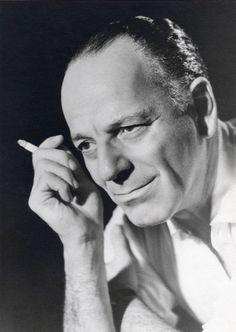Ο Αλέξης Μινωτής ήταν ένας από τους κορυφαίους ηθοποιούς και σκηνοθέτες του ελληνικού θεάτρου. Γεννήθηκε στα Χανιά στις 8 Αυγούστου 1898. Το πραγματικό του όνομα ήταν Αλέξης Μινωτάκης. Δούλεψε στην Τράπεζα των.. Greek Quotes, Wise Quotes, Cinema Theatre, Biologist, Greek Art, Food For Thought, Impressionist, Biography, Greece