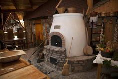 Amit a kemencéről tudni kell Outdoor Oven, Outdoor Cooking, Eco Buildings, Grill Oven, Bread Oven, Four A Pizza, Wood Fired Oven, Sustainable Living, Building A House