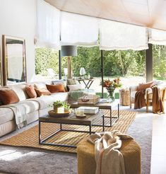 99 Comfortable And Modern Living Room Decor And Design Ideas For You - Page 41 of 99 - Chic Hostess Fancy Living Rooms, Comfortable Living Rooms, Classic Living Room, Beautiful Living Rooms, Living Room Modern, Home And Living, Living Room Decor, Decor Interior Design, Interior Decorating