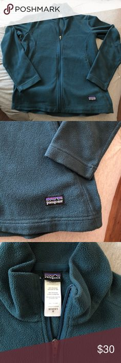 Patagonia woman sweater Patagonia fleece woman's sweater. In perfect conditions Patagonia Sweaters