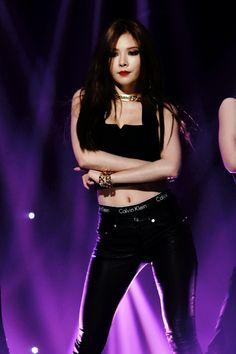 4Minute Hyuna 'Crazy' Live