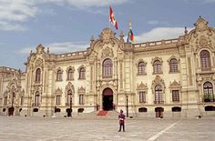 Visiting the Government Palace of Peru is like entering a gorgeous Disney movie.