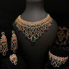 No photo description available. Jewelry Art, Fine Jewelry, Fashion Jewelry, Lotus Jewelry, Rose Gold Wedding Jewelry, Diamond Jewelry, Jewelery, Traditional, Treasure Chest
