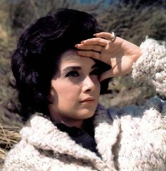 Suzanne Pleshette promotional still for The Birds (Alfred Hitchcock,1963)