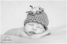 Newborn Girl, Age 7 Days, Photo by Monika Lauber