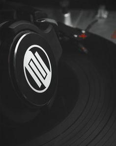Having some late night practice :) #photooftheday #pbakogiannisphoto #reloop #reloopdj #headphones #headphone #rhp15 #vestaxpdx #pdx2000mk2 #vinyl #timecode #headshell #ortofonpros #ortofondj #ompros #tonearm #needle #cartridge #music #instamood #turntable #turntablism #scratching #vestax by pbakogiannisphoto http://ift.tt/1HNGVsC