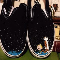The artist behind Lace Out Studios creates cool custom-made shoes with pop culture-inspired designs. The artist covers blank leisure shoes and sneakers with the adventures of Calvin and Hobbes, or iconic images and album designs Painted Canvas Shoes, Painted Vans, Painted Sneakers, Hand Painted Shoes, Custom Made Shoes, Custom Design Shoes, Custom Vans, Shoe Designs, Vans Sneakers