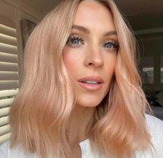 Platnium Blonde Hair, Pink Blonde Hair, Golden Blonde Hair, Strawberry Blonde Hair, Balayage Hair Blonde, Bayalage, Peachy Hair Color, Beige Hair Color, Mode Ootd