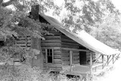 Built in the Autrey House is the oldest dogtrot style home in the area and believed to be the oldest surviving structure in Lincoln Parish. Old Cabins, Rustic Cabins, Cabins And Cottages, Log Houses, Tree Houses, Dog Trot House, Shotgun House, Old Buildings, Logs