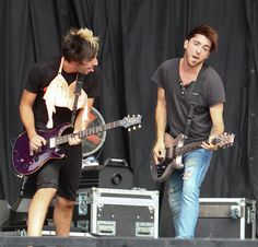 all time low at reading festival 2012