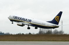 Two Ryanair planes damaged in Stansted Airport collision http://ind.pn/1yZ2EHK pic.twitter.com/OPbqqSE32J