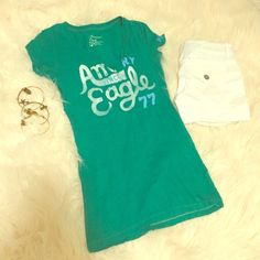 ✨American Eagle V-Neck! Gently used. Great condition. Looks great with white shorts!! American Eagle Outfitters Tops Tees - Short Sleeve