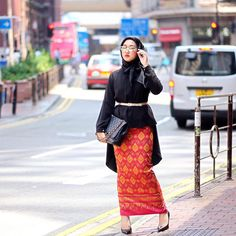 Day 2 in Hong Kong, heading to appointment wearing ikat skirt @dianpelangicom and satin scarf from @hijabellove ❤️