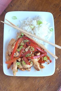Cashew Chicken Stir-Fry with Red Peppers from @Lana Stuart | Never Enough Thyme http://www.lanascooking.com/2013/07/12/cashew-chicken-stir-fry-with-red-peppers/