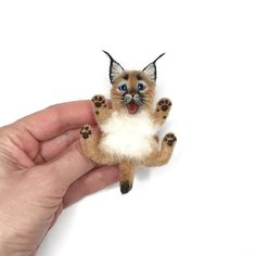 Caracal lynx Needle Felt Brooch, Valentine day gift For Women, Animal Brooches, Wool pin Needle Felted Cat, Needle Felted Animals, Felt Animals, Cat Gifts, Cat Lover Gifts, Cat Lovers, Caracal, Miniature Dogs, Bunny Crafts