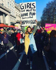 Mulheres saem às ruas dos EUA um dia após a posse de Trump