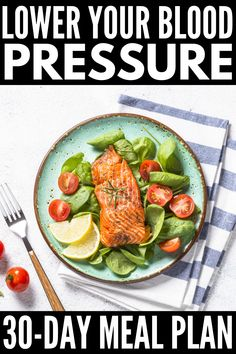 Designed to lower your blood pressure, this DASH Diet for weight loss includes yummy mix and match recipes and snacks you'll love! Dash Diet Meal Plan, Healthy Diet Meal Plan, Dash Diet Recipes, Heart Healthy Diet, 7 Day Meal Plan, Heart Healthy Recipes, Diet Meal Plans, Snack Recipes, Heart Healthy Breakfast