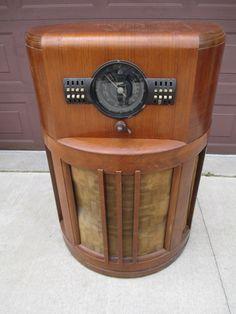Rare original 1939 Zenith 12-S-371 console tube radio