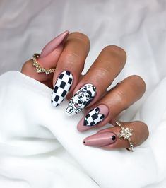 Shellac Nail Designs, Pedicure Nail Art, Shellac Nails, Polish Nails, Disney Acrylic Nails, Long Acrylic Nails, Disney Nails, Edgy Nails, Classy Nails