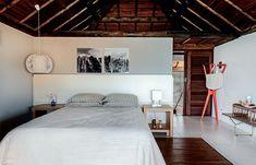 Uma casa de praia com design de ponta e arte popular - Casa