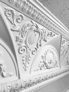 Гипсовый карниз.  Каталог гипсового декора: http://aurora-interior.ru/?page_id=19565   Студия Аврора (гипсовая лепнина)  Краснодар, ул.Офицерская, 36  http://aurora-interior.ru/