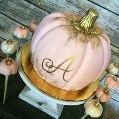 Pumpkin Patch Birthday, Pumpkin Birthday Parties, Pumpkin 1st Birthdays, Pumpkin First Birthday, Baby Girl First Birthday, Fall Birthday, Pumpkin Birthday Cakes, Birthday Ideas, Baby Girl Shower Themes