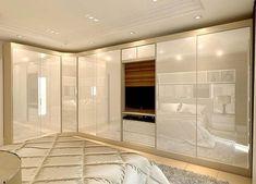 Bedroom Built In Wardrobe, Bedroom Closet Design, Bedroom Furniture Design, Home Room Design, Home Bedroom, Interior Design Living Room, Bedroom Decor, Wardrobe Door Designs, Bedroom Cupboards