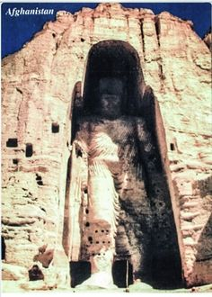 STAR GATES: THOUSANDS YEARS OLD ANCIENT BUILDING IN PERSIA, (NOW Afghanestan). WHO BUILT THIS HUGE STATUE?? HOW?? WHAT A TECHNOLOGY??? THOUSANDS YEARS AGO. WHY?? WHAT IS THE MESSAGE THAT THEY LEFT HERE FOR THE FUTURE GENERATIONS ON PLANET EARTH?? WHAT DO YOU SEE?? WHAT DO YOU THINK?? WHAT DO WE KNOW?? The #Bamiyan #Valley, in PERSIA, now Afghanistan, The area contains numerous monastic ensembles and sanctuaries.