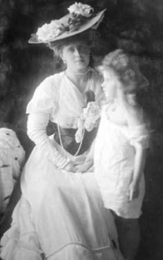 Queen Marie of Romania and Mignon.