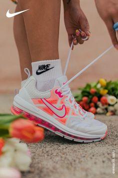 Cute Nike Shoes, Cute Nikes, Cute Sneakers, Nike Air Shoes, Sneakers Fashion, Fashion Shoes, Swag Shoes, Aesthetic Shoes, Fresh Shoes