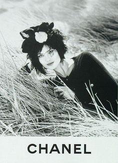 styleregistry: Chanel   Fall 1995