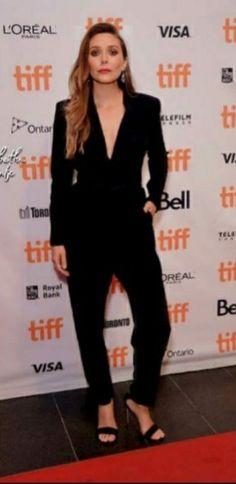 Elizabeth Chase Olsen, Celebrity Siblings, L'oréal Paris, Black Suits, Celebrity Look, Red Carpet Looks, Star Fashion, Suits For Women, Celebs