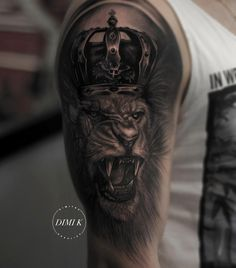 lion with Kings crown.