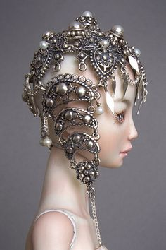 Fantasy | Whimsical | Strange | Mythical | Creative | Creatures | Dolls | Sculptures | The Silk Rode Doll