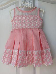 Girls Frock Design, Kids Frocks Design, Baby Frocks Designs, Baby Dress Design, Cute Baby Dresses, Dresses Kids Girl, Kids Outfits, Kids Dress Wear, Kids Gown
